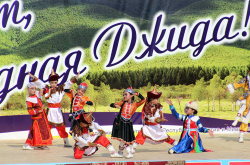 Детское-представление-гостей-из-Монголии
