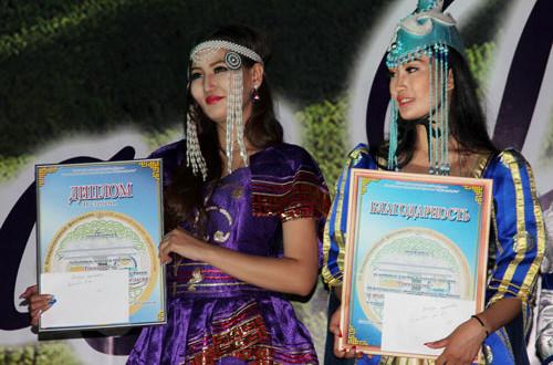 Участницы-из-Монголии-конкурса-красавиц