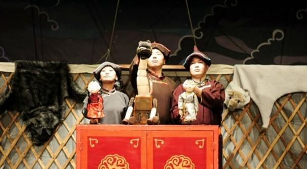 Театр кукол «Ульгэр» гастролирует в Джидинском районе Бурятии