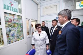 Глава Бурятии допоздна работал в Джидинском районе.
