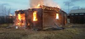 Женщина задохнулась во время пожара.