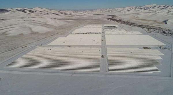 Крупная солнечная электростанция готовится к пуску.