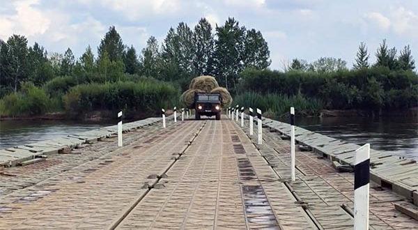 Военные установили понтонный мост для жителей сёл Дырестуй и Зарубино.
